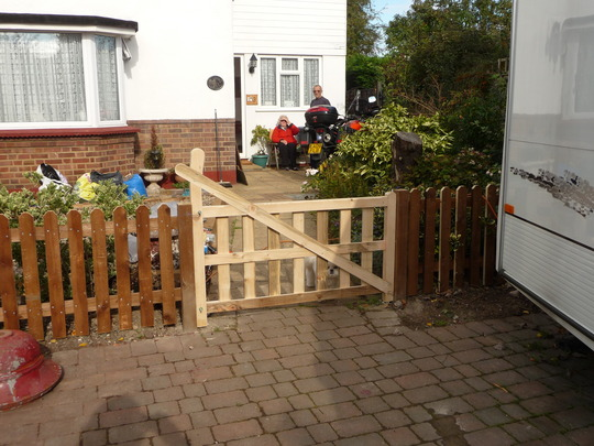 Our Front Garden Revamp Beach Garden Picket Fencing Grows on You