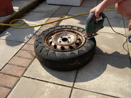 1000 images about garden style on pinterest for Car tire flower planter