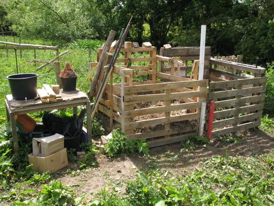 Aggiornamenti dall orto il compost cal the pal for Compostiera da giardino