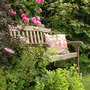Bench_with_rose_gertrude_jekyll_