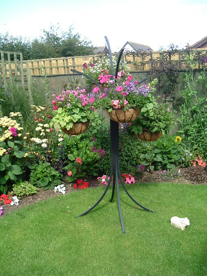 Fence border and basket tree