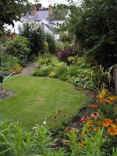 My unedged garden - Summer '09