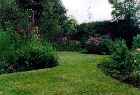 Garden c2002
