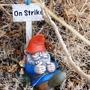 Gnome_on_Strike.jpg