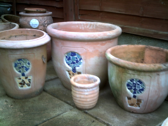 Pots with pictures