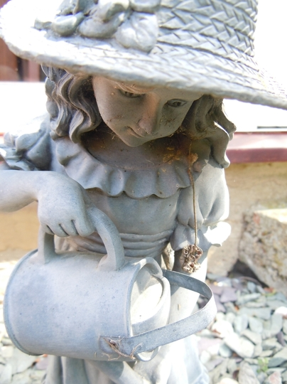 Garden_statue_2.jpg