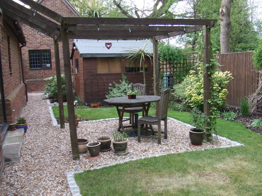 Back garden ideas grows on you for Back garden ideas