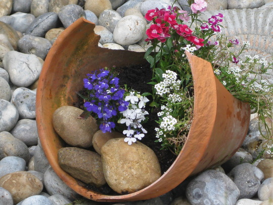use for an old broken pot