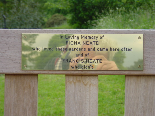 bench 'In loving memory of...'  in Kew  - May 2004