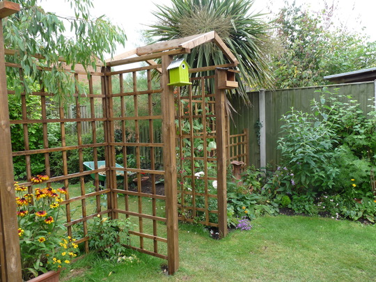 For Joeyvicks......trellis and arch now.