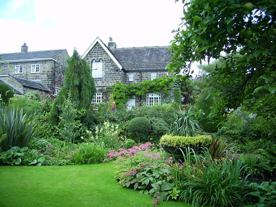 Front of the garden at York Gate