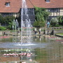 The_house_and_fountain_at_Wisley.jpg
