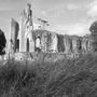 Glastonbury_abbey_b_w