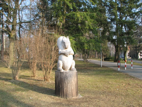 Wooden monument to inhabitant of this park.
