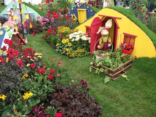 childrens show garden