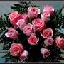 Bouquet_de_roses_roses_fond_d_cran_