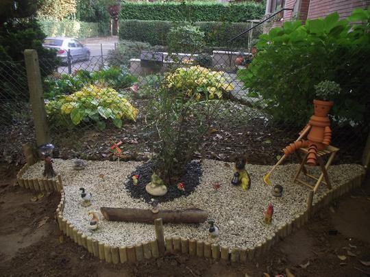 Front Garden - Gravel area ready