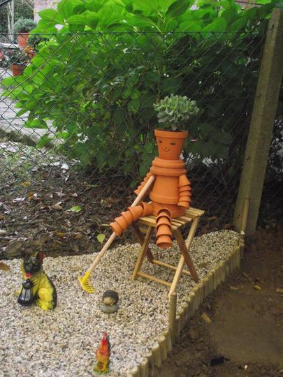 Mr Flower Pot enjoying a break :)