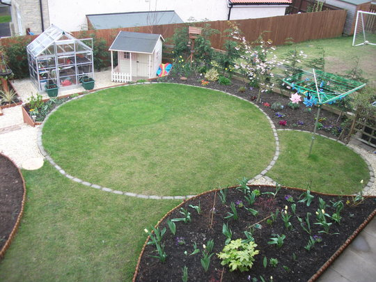 Garden Apr 12 003
