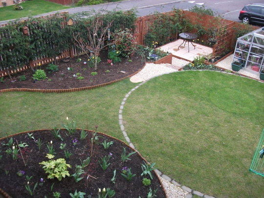 Garden Apr 12 004