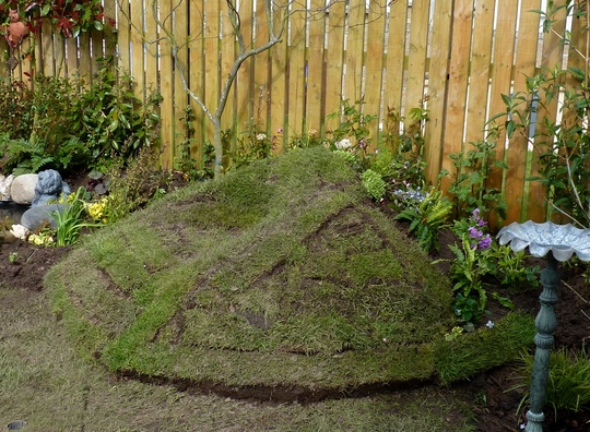 Turf seat showing back planted up