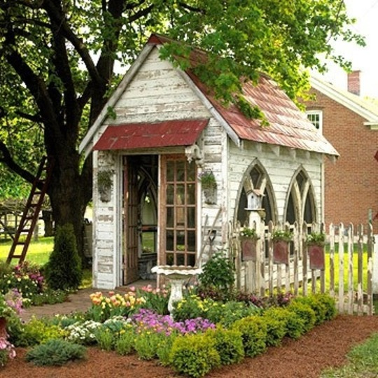 Such a charming old garden shed.