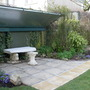 Garden_daffs_and_planting_by_the_arbour_021
