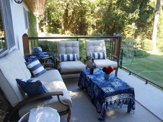 Seating on the deck