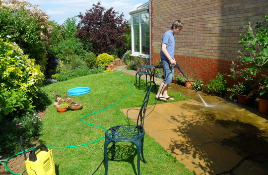 Jamie & the power washer