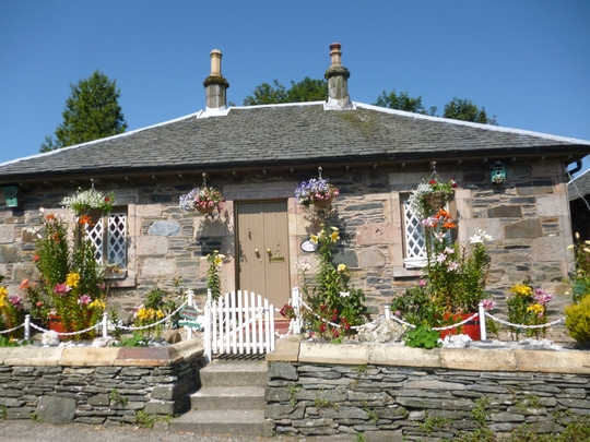 Garden on route cycling to Luss