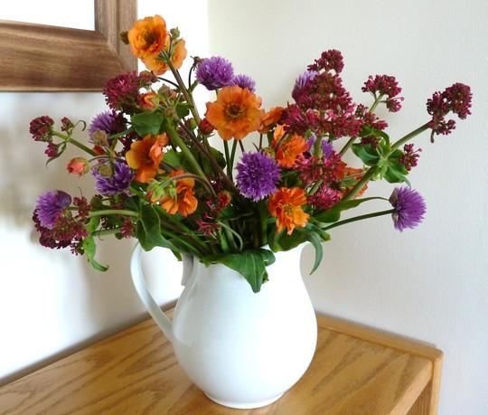 Flowers for everyone today...especially Lincslass!