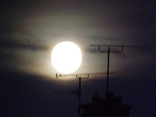 Moon... Monday 14th Nov '16