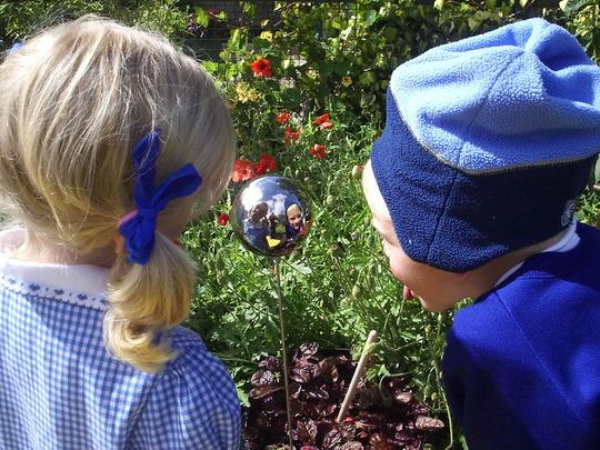 Gazing into the Wicked Witch's globe