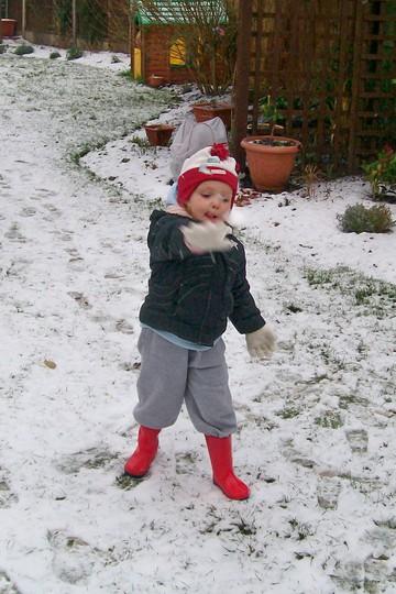 .....Plenty for a good snow ball fight..... (Spondeekee Madam)