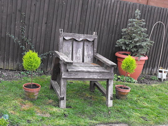 A Old Chunky Chair!