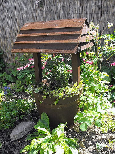 "Wishing Well All Planted Up ""Blog"""