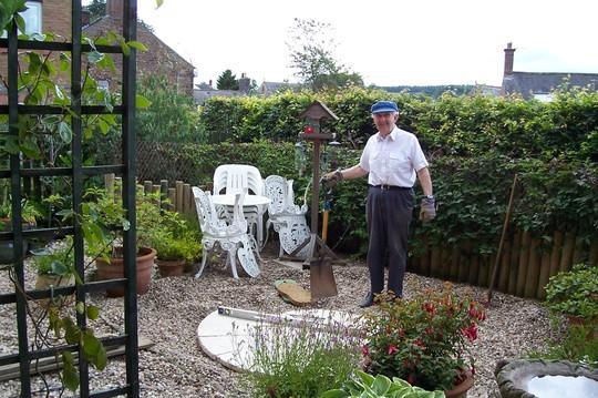 100_1086.jpg Chief gardener