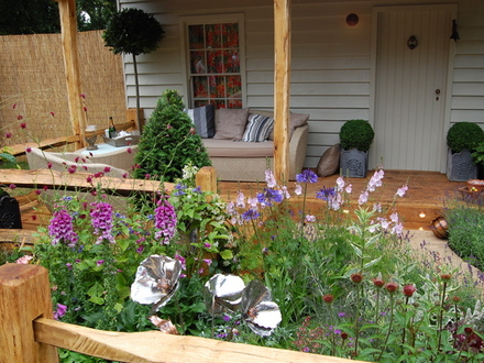 Garden Ideas For Small Gardens. In a small garden the gardener