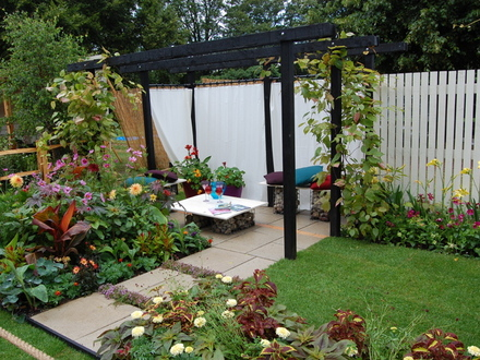 Home garden beautiful small home gardens color designs ideas for Beautiful small gardens