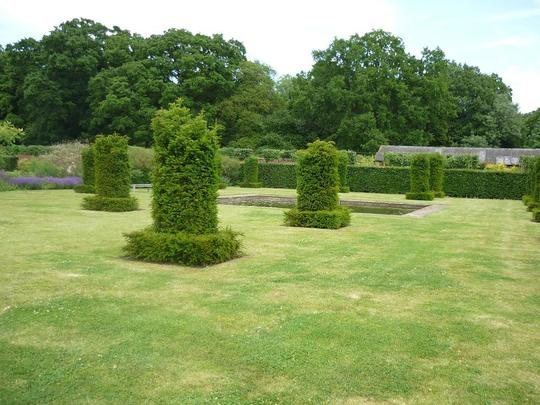 Scampston topiary room