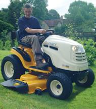 Cub Cadet GT1224 Garden Tractor