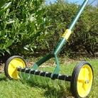 Yeoman Rolling Lawn Scarifier / Reviver