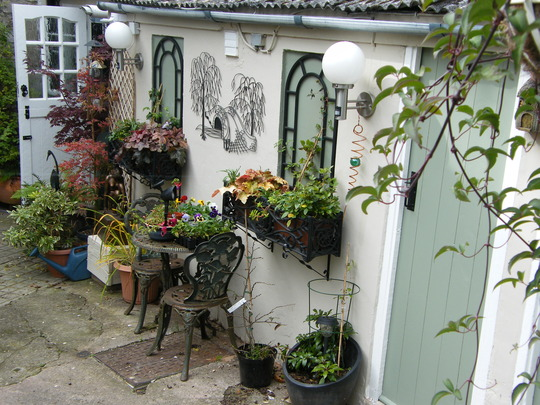 A Courtyard Garden on a Budget.. : Grows on You on Courtyard Ideas On A Budget id=70563